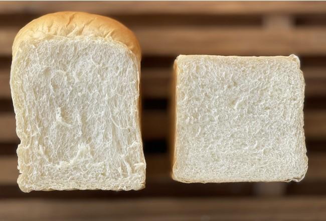 焼き食パン(左)、生食パン(右)