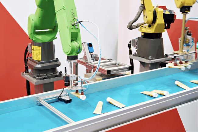 障害物回避ロボットアームの作業の事例