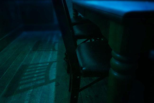 凶遡咽び家の室内1