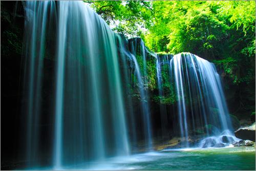 熊本の鍋ヶ滝は「九州ふっこう割」商品を集めた国内特集でも紹介中。トラベルコちゃんも九州を応援します!