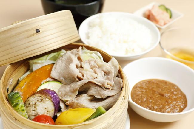 かごしま黒豚と夏野菜のせいろ蒸し定食