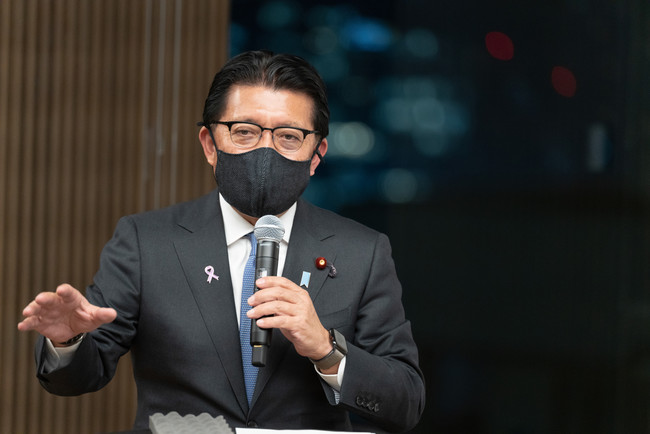 平井卓也氏