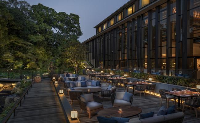 フォーシーズンズホテル京都 日本庭園を臨むテラスのあるブラッスリー
