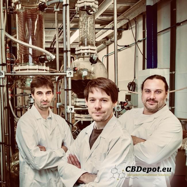 欧米で天然由来と有機化学合成のCBDを製造してるCBDepot