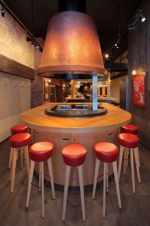 ラウンドデザインが象徴的な焼き台