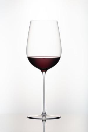 ボルドーのトップワイナリーが愛用する赤ワイン用グラス「レステット」