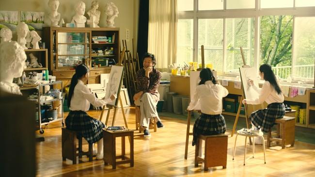 浅野さんと女子中学生のデッサンシーン