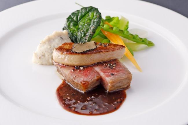 A5等級仙台牛のサーロインとフォアグラのロッシーニ風 ペリグーソース  トリュフ風味のポムピューレと菜園風野菜