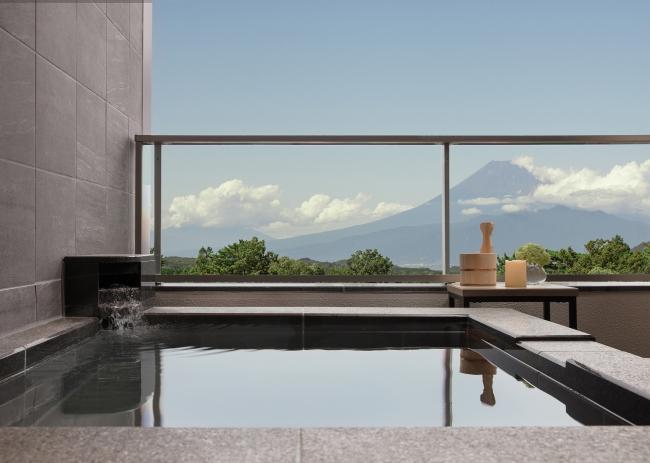 客室内温泉露天風呂(富士山側)