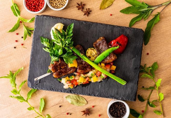 甲州ワインビーフと野菜のブロシェットグリル イメージ