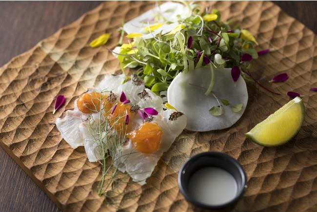 寒鯛マリネと蕪、アンポ柿のサラダ 柑橘ソース