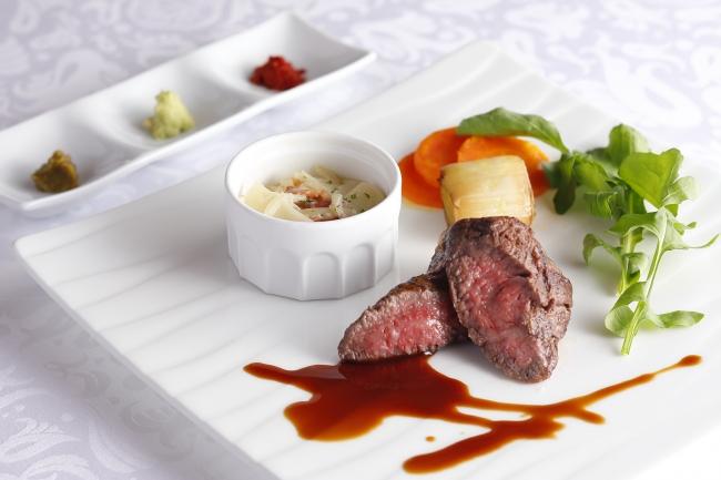 """兵庫県産 特撰""""神戸ビーフ""""ランプ肉またはイチボ肉のステーキ 3種の薬味でどうぞ"""