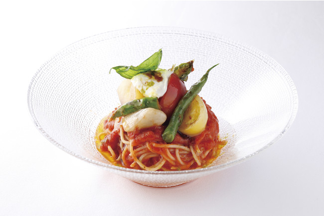 『冷製トマトのパスタ ガスパチョ仕立て』 マスカルポーネのムース添え  1,650円(税込)