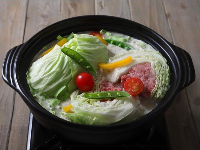 丸ごとキャベツの巻かないロールキャベツ鍋