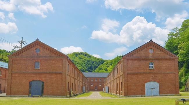舞鶴赤れんがパーク(京都府舞鶴市):明治34年から大正10年頃までに建てられた旧海軍の赤れんが倉庫群