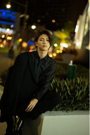立石俊樹1st写真集「TOSHIKI」(東京ニュース通信社刊)
