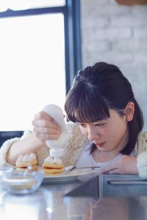 「永野芽郁 in 半分、青い。」PHOTO BOOK(東京ニュース通信社刊)