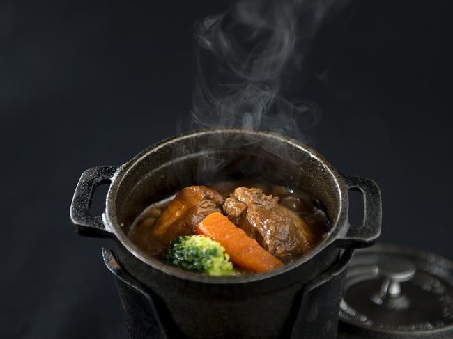 115年前のビーフシチューを当時のレシピをもとに、かじか荘自慢のシェフが再現
