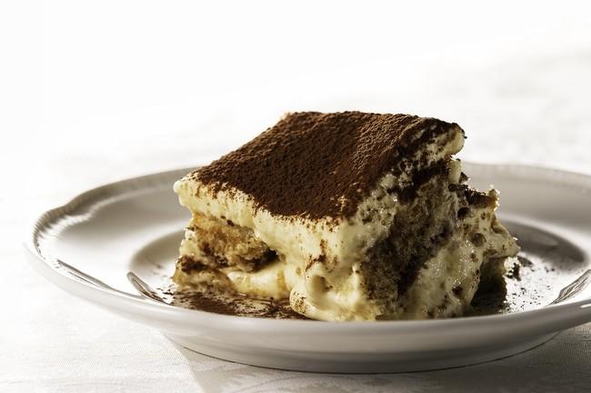 口溶けのよいマスカルポーネクリームと、コーヒーシロップを染み込ませたビスコッティを合せたイタリアの家庭の味。