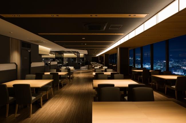 <夜景の見える4階レストラン>