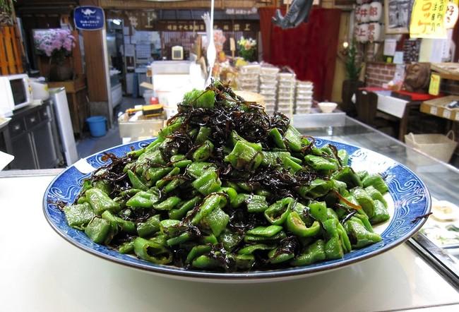 惣菜の一例「万願寺とうがらし昆布」