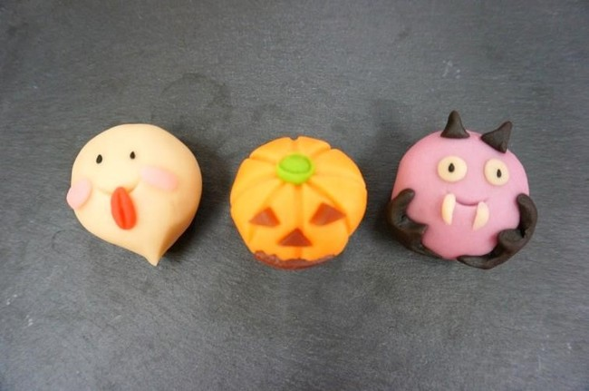 ハロウィンの可愛い練り切りあん和菓子です。(おばけ、かぼちゃ、こうもり)