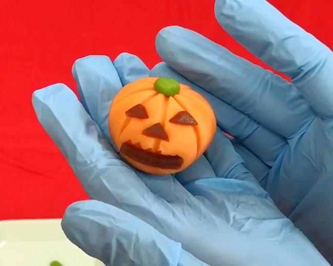 可愛いかぼちゃ(ジャックオーランタン)の出来上がりです