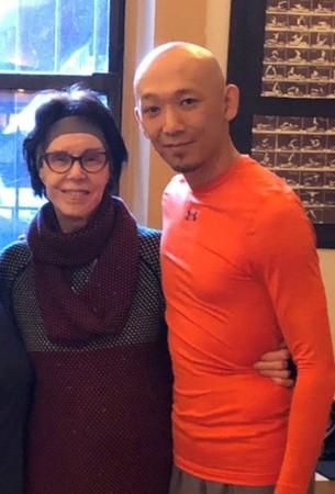 ピラテメアリー・ボーエン(左)、Yoshinori Ito