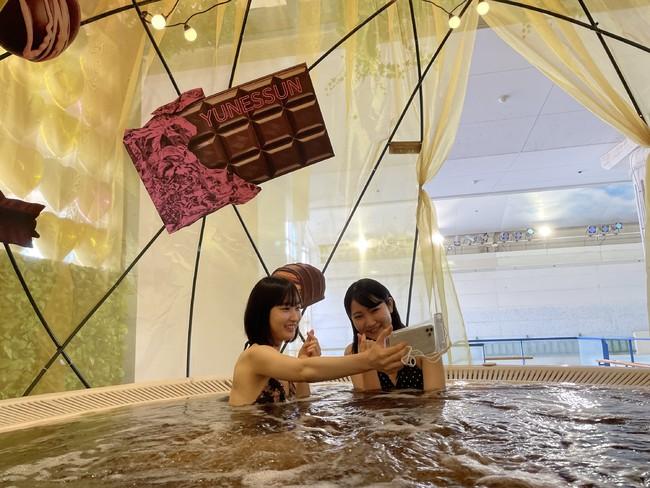 浴槽ごとにドーム型の装飾