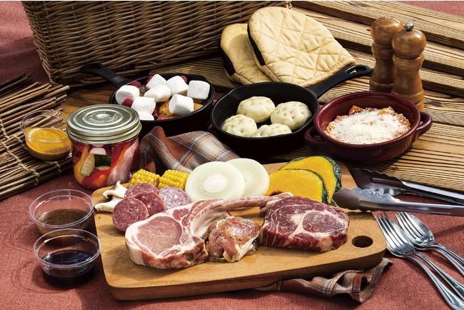 手ぶらでBBQプラン デラックスコース: 葡萄牛、豚トマホーク、伊豆鹿ボロニアソーセージ、スキレットで仕上げる自家製パン、ホットデザートなど、さらに充実した食材をご用意