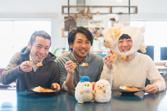左:株式会社キッチハイク 共同代表 藤崎祥見・山本雅也、右:株式会社ブライトテーブル 代表取締役 松下勇作