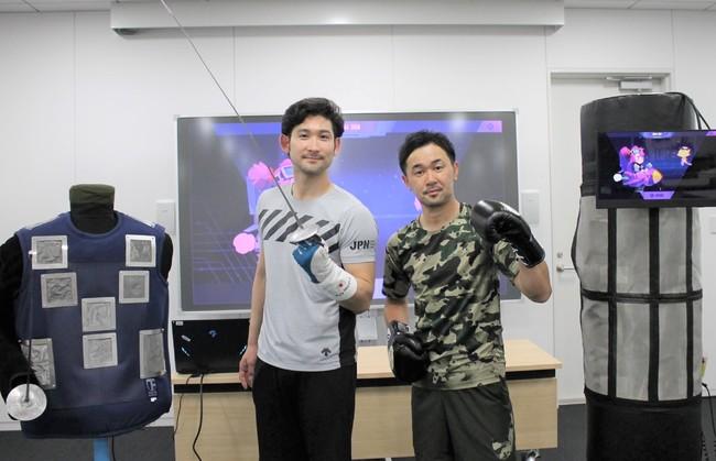 スペシャルアンバサダーの山中慎介さんと三宅諒選手