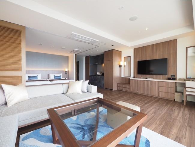 全室サンセットオーシャンビュー&フラットテラス付きスイートルーム 長期滞在に適した快適なベッド、キッチン、家電を完備