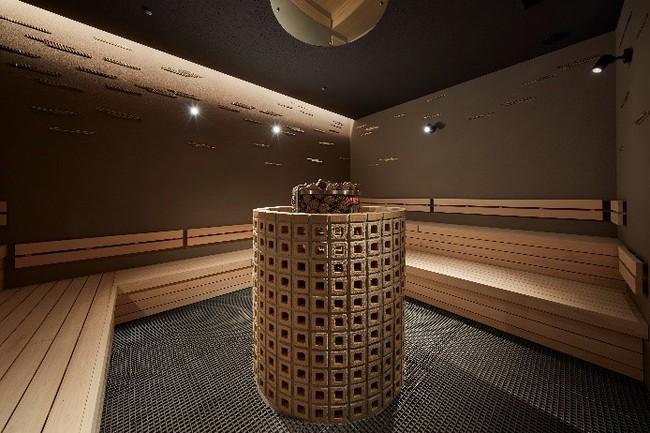 岩盤浴は全4種類 部屋の中心にサウナストーンがある「黄金」