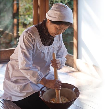 ▲江戸時代から南九州の各家庭で手作りされていた「にんにく卵黄」