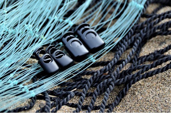 廃漁網をリサイクルしてつくった服飾パーツ