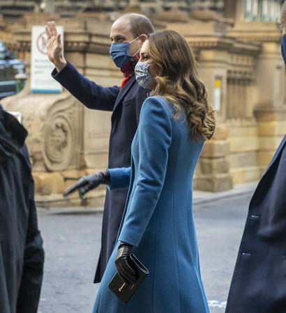 キャサリン妃 エディンバラで 12月7日 手にしているのがマルトリー