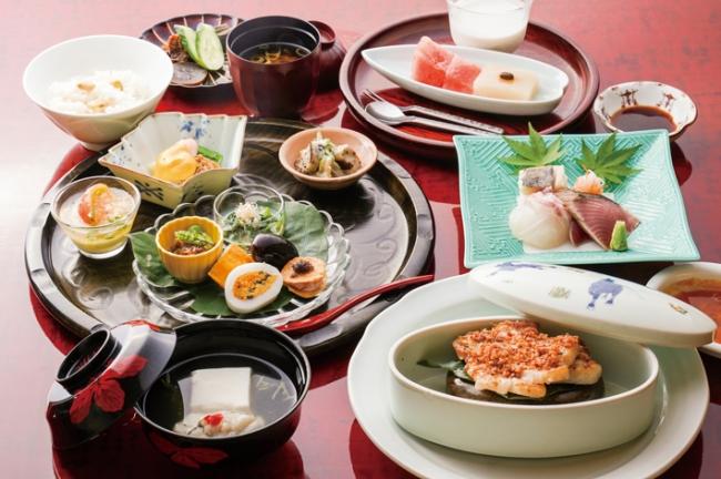 温泉宿の夕食、もしくは同等の会席料理が日帰りでいただけるお得なプラン