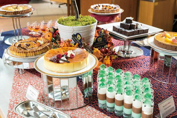 恒例の人気特集「ホテルの食べ放題 覆面大調査!」では、  ハロウィーンスイーツも紹介