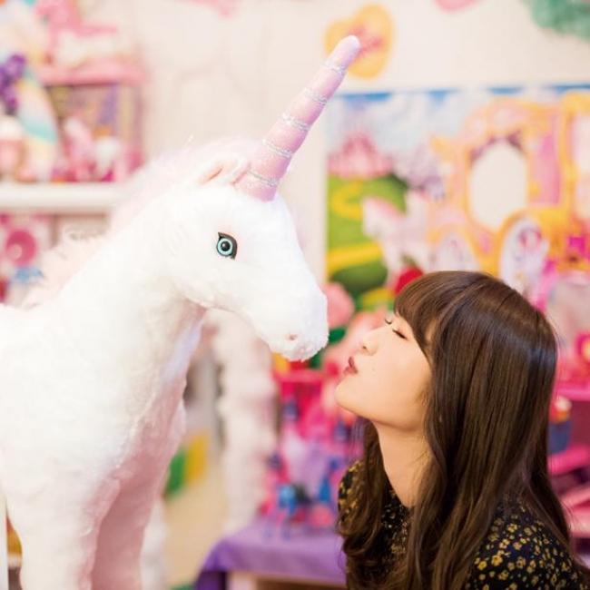 こちらも人気連載だった「渋谷凪咲の#かわいい関西」。なぎちゃんの未公開カットがいっぱい!