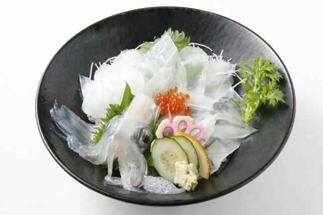 「活魚村 海彦」の「活きいか丼」(2160円)