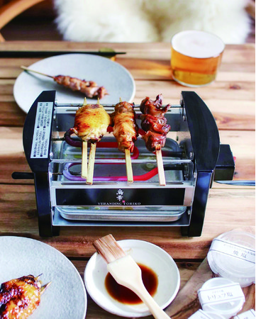 「ベランディング鳥幸」の銘柄鶏お取り寄せは、煙を極力発生させない特製焼台付き