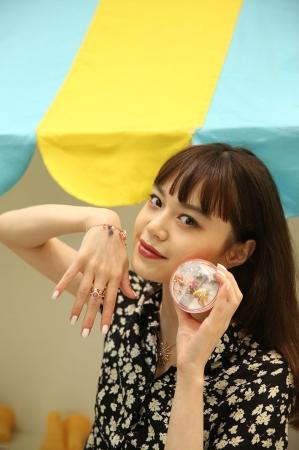 モデルの野崎智子さん