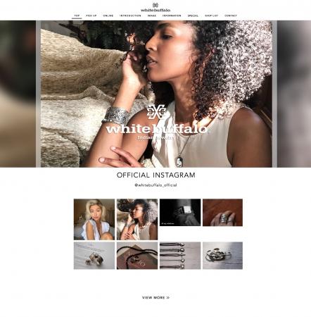 モデルの手によりセルフィーで撮影されたポートレーと写真は、ジュエリーブランド[white buffalo]のイメージビジュアルに採用