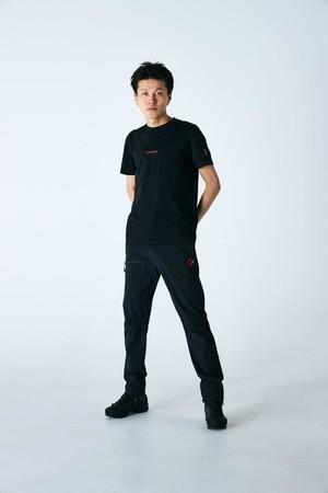 「QD ロゴ プリント Tシャツ AF メン クラシック」