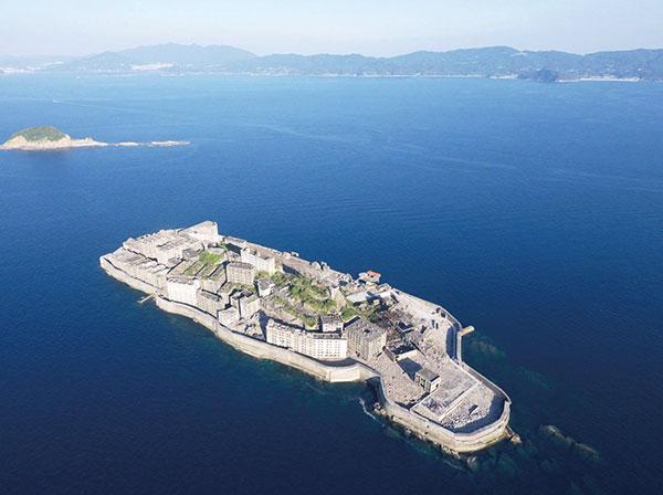 軍艦島(長崎県)
