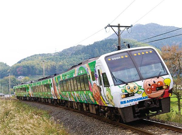 「アンパンマン列車」<JR四国>