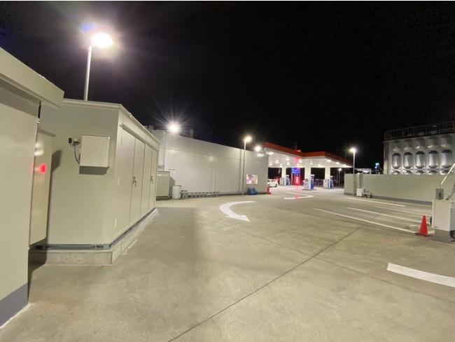 蓄電システムが導入されたENEOSのサービスステーション
