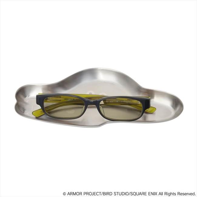 ※画像のペンやメガネは商品には含まれません。
