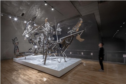 Nirvana Tropicana (image), 2020, 316L Stainless Steel, 460.0×750.0×440.0 cm Courtesy of UAP, photography by Rex Zou